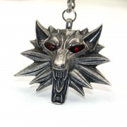 The-Witcher-3-Wild-Hunt-Geralt-s-Red-Eyes-Wolf-Head-Necklaces-Gaming-Peripherals